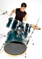 https://www.hearandplay.com/drums2.jpg