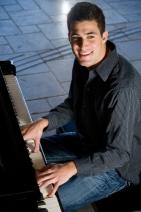 pianomanbig.jpg